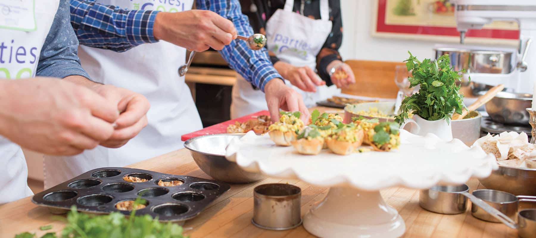 Corporate Team Building Cooking Events Parties San Francisco And Chicago