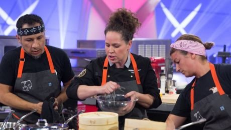 Kitchen Challenge: Iron Chef-Style Cooking Competition