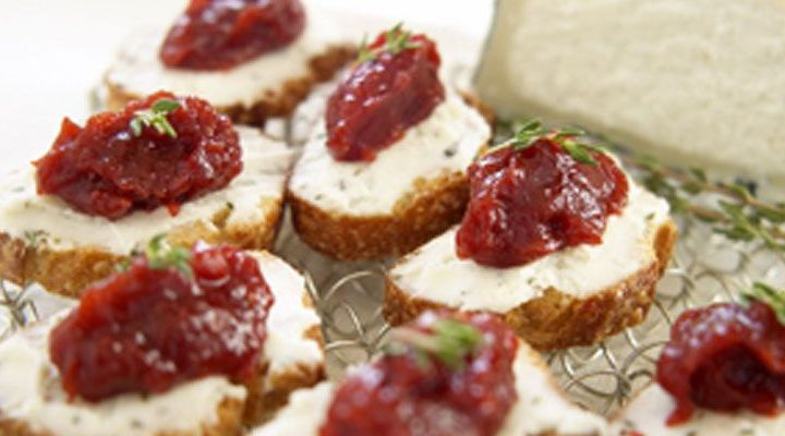 Crostini of Goat Cheese and Tomato Jam Recipe